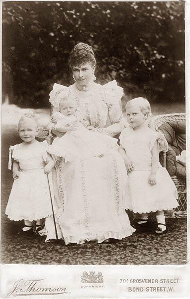 Mary, Princesa de Teck y George V. Mary-f