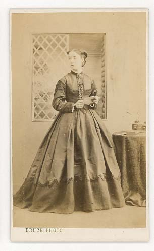 P Hudson 18 Paragon Street Hull Smart Young Lady C1873 Front Back Lombardi Co 13 Pall Mall East London SW Also 113 Kings Road 79
